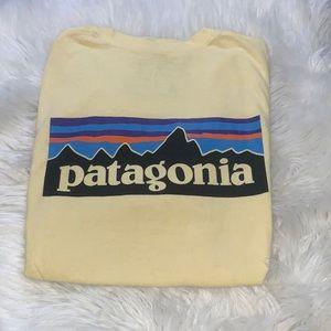 Patagonia men's logo tee Yellow size L
